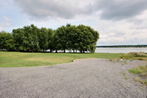 WATERFRONT BUILDING LOT ON THE ST. LAWRENCE RIVER IROQUOIS ONT