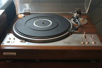 LOOKING TO BUY RECORD COLLECTIONS AND OLD STEREO EQUIPMENT!