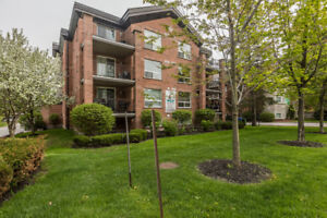 $299,900 - 2 BEDROOM & 1 BATH CONDO IN BARRIE!!!