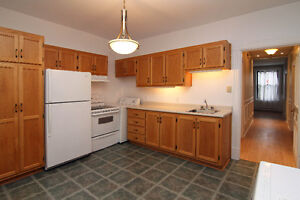 Great room in renovated 51/2 near subway and downtown