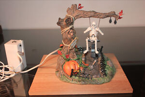 Department 56 – Village d'Halloween - Swinging Skeleton West Island Greater Montréal image 3