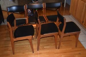 table en teck + 6 chaises/ teak table and chairs