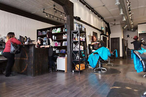 Looking For An In Salon Esthetician Cambridge Kitchener Area image 1