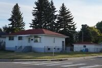 Bungalow for daycare or office in a very good location
