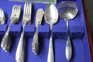 "Wm A Rogers Silver Plate Called ""Country Lane""  Oneida Ltd  1954 Kingston Kingston Area image 5"