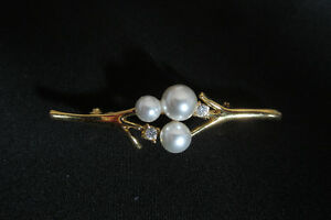 Vintage Faux Pearl and Rhinestone Brooch