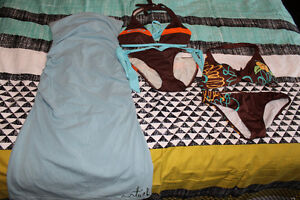 Robe d'été et maillots de bain