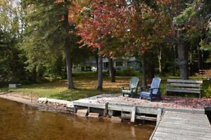 Well Maintained Home or Cottage on Muskoka River!