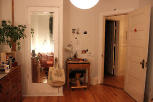 HUGE room for sublet in Outremont/Mile-End