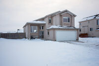 Beautiful 1850 s/f home just 17 mins from Winnipeg in Niverville