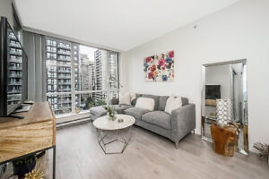 IMMACULATE 1 BED YALETOWN W/PARKING FOR SALE $589K