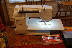 Like New Bernina 550 QE Sewing Machine with all the extras