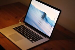 2013 Mint Macbook Retina Pro - PERFECT FOR EDITING