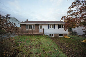 4 BEDROOM OPEN CONCEPT HOME IN IDEAL COLBY VILLAGE LOCATION!