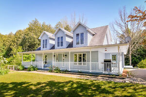 Fabulous 4+1 Bed Cape Cod on a Stunning & Private 4 acre Treed L