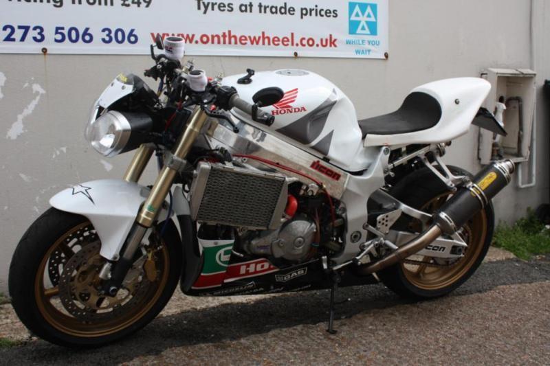 2002 honda vtr 1000 sp2 rc51 white custom import fantastic bike in brighton east sussex. Black Bedroom Furniture Sets. Home Design Ideas