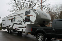 2011 Cougar 322QBS 5th Wheel * 36ft long