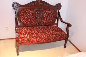 ANTIQUE MAHOGANY 1800S EASTLAKE LOVESEAT SETTEE, COUCH