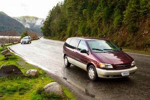 1998 Toyota Sienna Minivan, Van