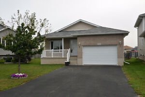 Open House - 166 MacDougall Dr! Saturday May 7th 2-4pm