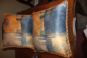 """2 Like New """"Zippered"""" Pillows (can remove for laundering)"""