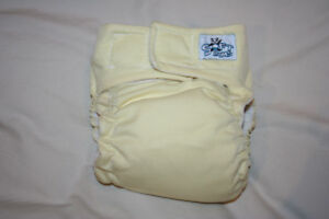 Soft Bums one size cloth diaper with OBV inserts
