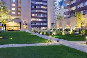 4 1/2 - Golden Mile luxury, gym, pool, courtyard, terrace