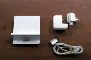 Apple iPad Dock, Charger, Cords, SD Card Reader