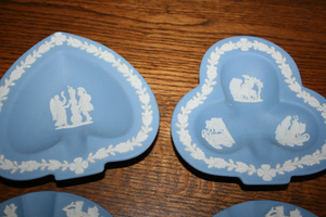Wedgewood Blue 7 Pieces- NEW PRICE Belleville Belleville Area image 5