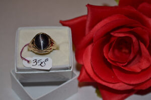 Oval-Cut Tiger Eye and Diamond Men's Ring In Yellow Gold
