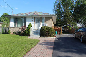 Whole House For Rent in Richmond Hill - $1800 Per Month