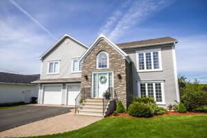 *OPEN HOUSE SAT 10-12* GORGEOUS 4 BEDROOM HOME ON DOUGLAS AVE