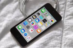 iPod Touch - 5th Gen - 64GB - Excellent!`