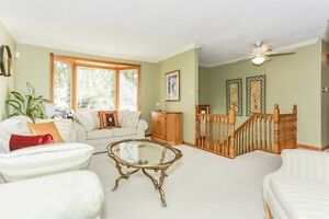 Great Cambridge Home with Quick Access To the 401 Cambridge Kitchener Area image 2