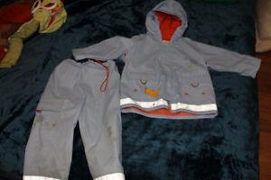 Manteau de pluie 2 ans