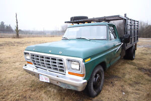 1979 Ford F-350 Pickup DUMP TRUCK with NEW HYDRAULICS.