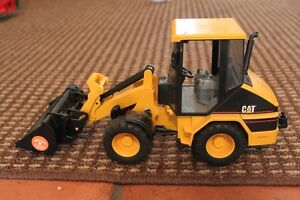 Bruder Caterpillar CAT Front End Loader