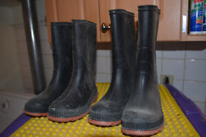 Rubber boots Excellent condition - Youth sizes 1 and 2. $15 both