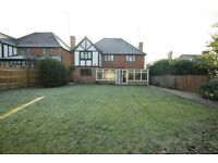 5 bedroom house in Hendon Avenue, Finchley, N31