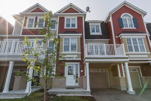 Move in ready 3 level home in Fairwinds