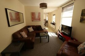 Double room for rent close to Cardiff city centre - available immediately