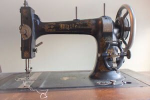 Antique WHITE sewing machine Stratford Kitchener Area image 4