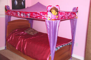 Cozy Dora Twin Bed Canopy - Perfect Conditions!