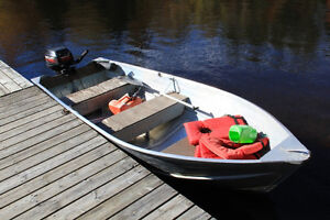 MOTOR BOAT INCLUDED & FREE OPERATOR LICENCE WITH COTTAGE RENTAL
