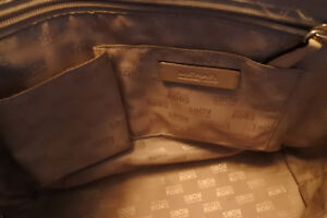 Authentic Michael Kors shoulder bag like new