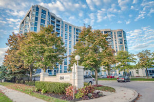 Stunning 2 Bedroom Condo in Whitby with view of Lake Ontario!
