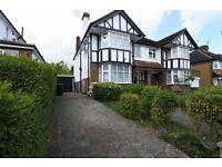 3 bedroom house in Longland Drive, Totteridge, N20