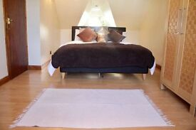GREAT AND CHEAP DOUBLE ROOM IN SHAKLETON LODGE-DON´T WAIT AND LOOK!!