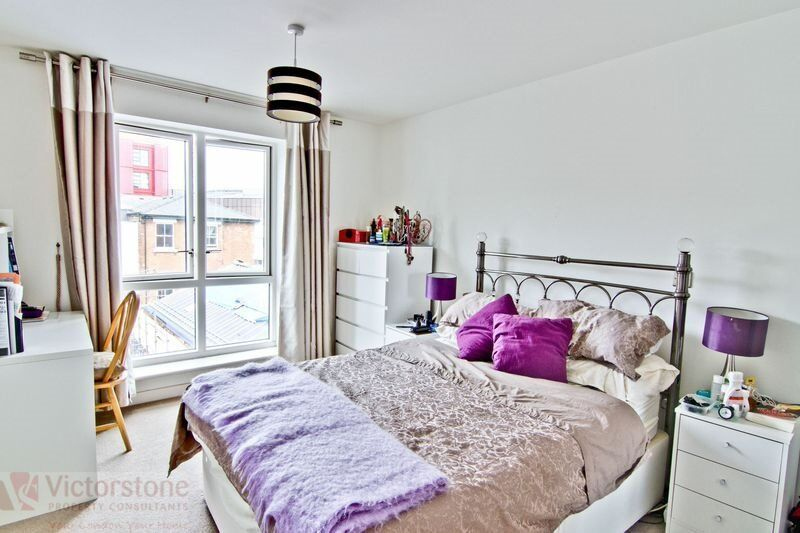 Modern one bedroom flat in a secure new build