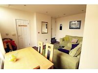 **ATTENTION MATURE STUDENTS & PROFESSIONALS** ELEGANT DOUBLE ROOMS TO LET NEAR TOWN - GREAT VALUE